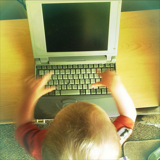 Create Child's User without Email and with a 4-digit Login Pin in Windows 8.1